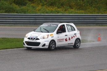 Coupe Nissan Micra à Calabogie